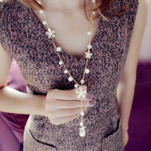 Pearl Flower Daisy Necklace
